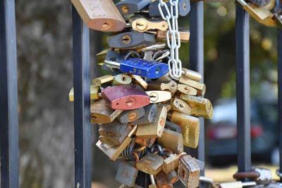 Aciron case study multiple locks on a metal gate
